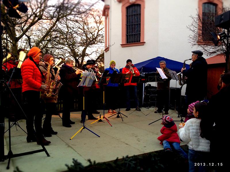 kapelle-adventszauber-schluesselfeld-weihnachtsmarkt-2013