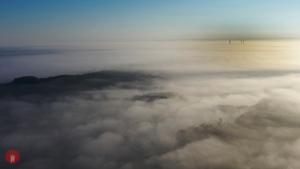 Nebel-Schluesselfeld-Windrad-004
