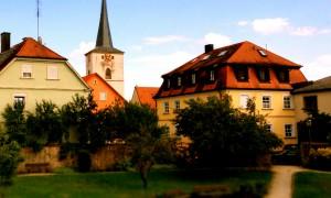 Schlüsselfeld Stadtpark mit Kirche Slider