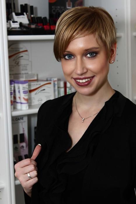Christina Wenst Neustadt Aisch Kosmetikstudio Fußpflege Nagelstudio Visagistin Mittelfranken